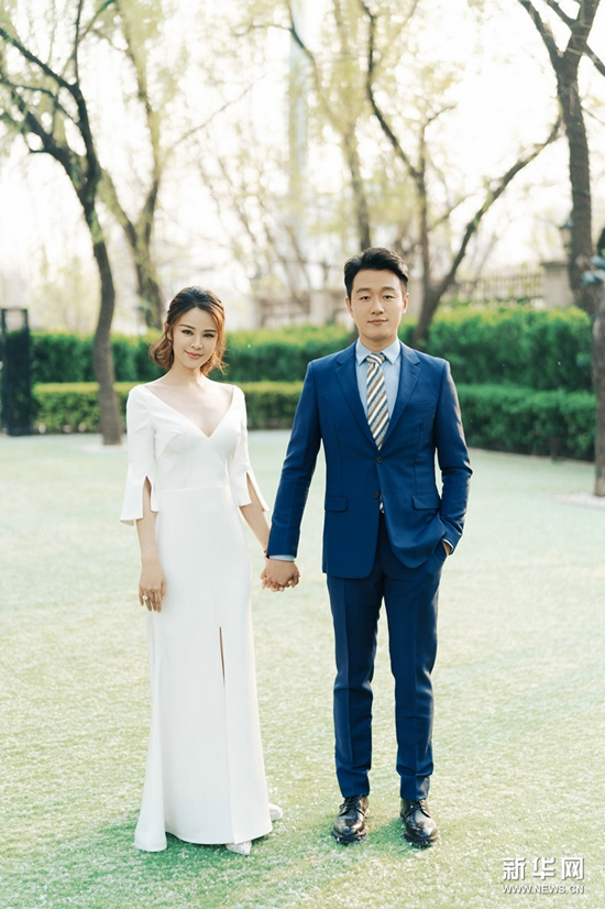 佟大为关悦庆祝婚礼十周年