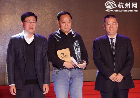 作家黄锦树以《归来》获得郁达夫奖小说短篇小说提名